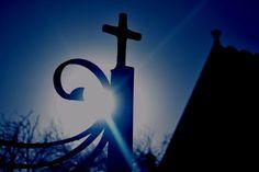 'sun through church gate. Gate, Sunrise, Symbols, Photography, Fotografie, Photograph, Portal, Icons, Photo Shoot