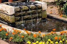 Need some inspiration for your garden? Here are some cool and modern outdoor fountain ideas that will boost your inspiration. Modern Outdoor Fountains, Indoor Water Fountains, Indoor Fountain, Garden Fountains, Fountain Ideas, Feng Shui, Tabletop Water Fountain, Pond Water Features, Waterfall Fountain