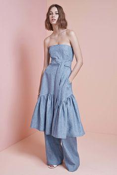 The complete Jill Stuart Resort 2017 fashion show now on Vogue Runway. Fashion 2017, Runway Fashion, High Fashion, Fashion Show, Womens Fashion, Fashion Design, Fashion Trends, Dress Over Pants, Estilo Jeans