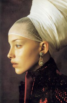 Infanta style editorial photographed by Paolo Roversi : drawing from Vermeer and Rembrandt -  styled by Alice Gentilucci for Vogue Italia September 1997.