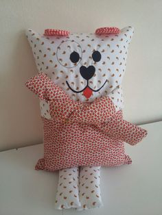 Naninhas para Dormir no Elo7 | IDE Bordados e Confecções (B0391E) Dog Crafts, Crafts For Kids, Arts And Crafts, Cute Baby Cartoon, Boo And Buddy, Craft Projects, Sewing Projects, Ugly Dolls, Crafty Kids