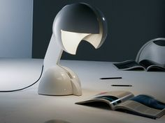 Design direct-indirect light fluorescent adjustable metal table lamp