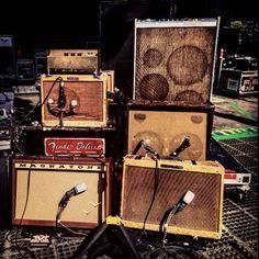 Photo by Neil Young Guitar Rig, Guitar Shop, Music Guitar, Guitar Picks, Cool Guitar, Les Paul, Electric Ladyland, Metal Horns, Guitar Cabinet