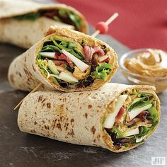 Looking for a sweet and savory meal? Try our Nutty Bacon Apple Wraps recipe. The thought of wrapping whipped creamy peanut butter, apples, bacon and spring mix salad greens together will steer you in the right direction for lunch. Jif Peanut Butter, Peanut Butter Recipes, Wrap Recipes, New Recipes, Favorite Recipes, Apple Recipes, Crisco Recipes, Cooking Recipes, Gourmet