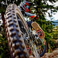 MTB Dating is the dating site for singles with a passion for mountain biking. Shred the mountain bike trails together; Downhill Bike, Mtb Bike, Cycling Bikes, Mountain Biking Quotes, Mountain Bike Trails, Velo Design, Montain Bike, Bike Photography, Mountain Biking