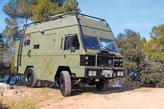 """""""1989 Land Rover Santana 2000 autocaravana"""" Spontan hätte ich das ja für einen VW LT1 4x4 gehalten."""