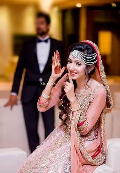 TOP New post pakistani wedding couples photography visit wedbridal. Wedding Pics, Wedding Couples, Wedding Bride, Pakistani Formal Dresses, Pakistani Bridal Wear, Punjabi Bride, Matha Patti Hairstyles, Dulhan Dress, Bridal Poses