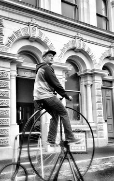 One of the many highlights of a trip to Oamaru - a go on a penny farthing. #visitoamaru The Bus Stop - Kakanui - exploring New Zealand one blog at a time... www.thebusstop.co.nz/blog Penny Farthing, New Zealand South Island, Victorian Architecture, Yellow Eyes, Bus Stop, Sandy Beaches, Cool Places To Visit, Don't Forget, Exploring