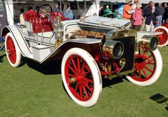 1907 Ford Model K - Henry Ford introduced the six-cylinder Model K in 1906. Originally offered only as a touring car, Ford quickly realized that there was a need for a sporty roadster. In November of 1907, the 6-40 Roadster was introduced at a price of 2,800.00 Capable of 70 mph