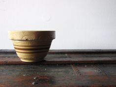 Vintage Small Yelloware Yellow ware Primitive by TheRustyScarecrow Brown Band, Rustic Farmhouse Decor, Pottery Bowls, Primitive, Hand Painted, Yellow, Tableware, Etsy, Vintage