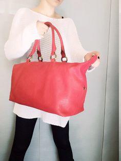 Raspberry red handbag, Red casual satchel, Genuine leather tote, Soft leather, Elegant design, Sac à main rouge, Framboise, handtasche