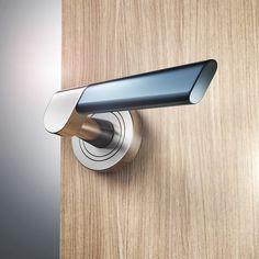 SLICE - door handle on Industrial Design Served Bathroom Door Handles, Bathroom Doors, Black Interior Doors, Black Doors, Open Plan Kitchen Dining, Black Door Handles, Design Blogs, Metal Texture, Windows And Doors