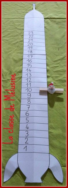 La fusée du Père Noël 3d Projects, Christmas Stockings, Xmas, Holiday Decor, Yule, Papa Noel, Template, Advent Calendar, Nursery Rhymes