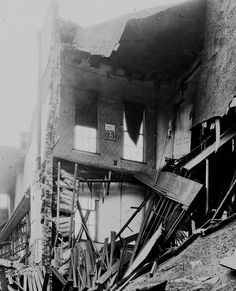 midsouthmemories:  1919 Demolition to build Loew's Palace Theatre. The calendar on the 2nd floor reads October 25, 1919. #Memphis #Tennessee #History Photo: Memphis Public Library