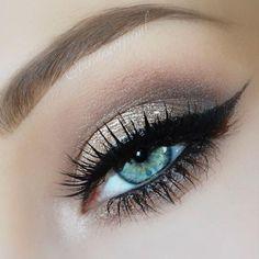 #blue #eye #makeup #shimmery #cateye #liner