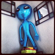 Coming in off the top rope - BlueAlien.
