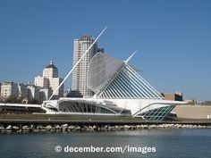 Photo Title: Milwaukee Art Museum - Lakefront View