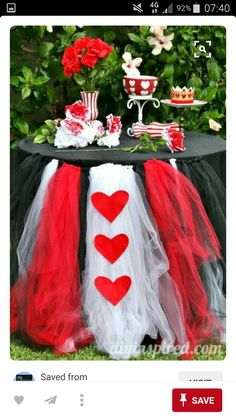 A good way to incorporate the queen of hearts in party