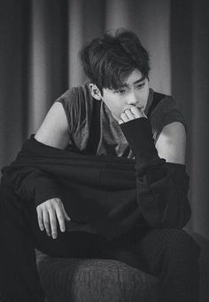 Discovered by wallflower. Find images and videos about lee jong suk on We Heart It - the app to get lost in what you love. Lee Jong Suk Wallpaper, Lee Jong Suk Cute, Kang Chul, Choi Jin, Han Hyo Joo, Hyung Sik, Kim Woo Bin, Kdrama Actors, Lee Joon