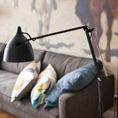 Monique en Michiel wonen met hun twee kinderen in hartje Amsterdam. Ze hebben een tophuis, maar tevreden zijn ze niet. vtwonen styliste Marianne Luning bedenkt een oplossing waar Monique en Michiel zich beiden in thuis voelen. #vtwonen #tvprogramma #sbs6 #styling #home #makeover #marianneluning