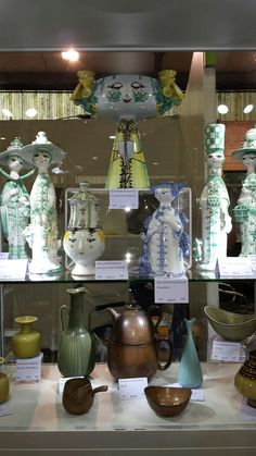 Another great display by lynways.com Pottery, Display, Ceramics, Sculpture, Studio, Design, Art, Kunst, Art Background