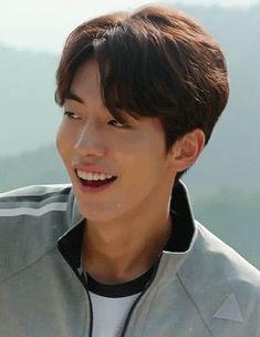 His smile can heal your soul Nam Joo Hyuk Smile, Nam Joo Hyuk Lee Sung Kyung, Nam Joo Hyuk Cute, Jong Hyuk, Lee Jong Suk, Asian Actors, Korean Actors, Nam Joo Hyuk Wallpaper, Joon Hyung