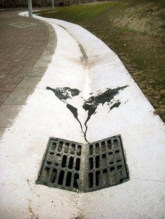 Quand le street art révèle ce qui va mal dans notre monde Alors que le gens vivent de plus en plus dans les grandes villes, il en va de même pour l'art 3d Street Art, Street Art Graffiti, Street Artists, Street Work, Urban Street Art, Best Street Art, Urbane Kunst, Grafiti, Political Art