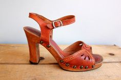 Vintage 1970s Wood and Auburn Leather Heels