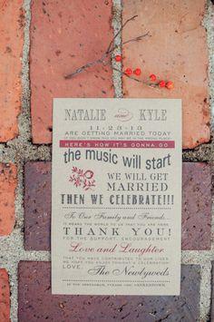 Kraft paper invitation with black and cranberry colors for fall wedding. #weddinginvite #kraftinvite #weddingchicks Stationery: Paper Affair ---> http://www.weddingchicks.com/2014/04/29/family-farmhouse-wedding-retreat/