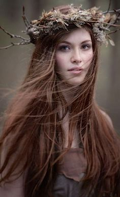 I can see Rebekah wearing her hair this way...she's such a hippy chick