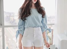Here's Classy korean fashion outfits Korean Street Fashion, Korea Fashion, Kpop Fashion, Asian Fashion, Trendy Fashion, Girl Fashion, Fashion Outfits, Fashion Today, Fashion Photo