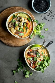 Tonight for dinner: Lemongrass Coconut Noodle Soup from Lauren Caris Cooks Start a pot of this on your Sunday afternoon, full of flavour and texture. You will enjoy this! Soup Recipes, Vegetarian Recipes, Cooking Recipes, Healthy Recipes, Clean Eating, Healthy Eating, Eating Well, Asian Soup, Gastronomia