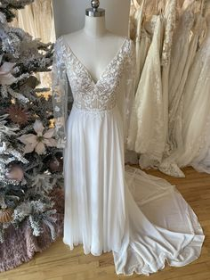 Lace Wedding, Wedding Dresses, Gowns, Weddings, Fashion, White People, Bride Dresses, Vestidos, Moda