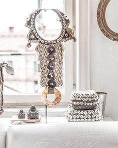 """ Efty's home in Helsingborg, Sweden Interior Styling, Interior Design, White Spirit, Natural Interior, Spa Design, Bohemian Decor, Trends, White Rooms, Shades Of White"