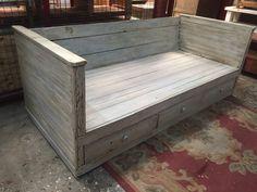 sillon ,diván estilo campo rústico en madera reciclada