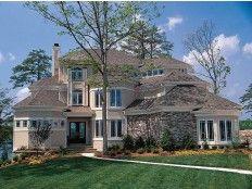 I love this home! Very pretty