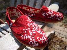 Cherry Blossom TOMS // #TOMSshoes TOMS Shoes #OneforOne One for One #StyleYourSole Style Your Sole #DIY