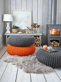 Knitted pouf - choose your favourite colour and they'll make a great addition to your living room. Perfect for guests to sit on! Decor Room, Home Decor, Floor Seating, Diy Décoration, Floor Cushions, Floor Pouf, Big Cushions, Orange Cushions, Home Living Room
