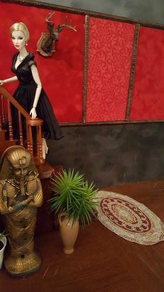 Eugenia on the staircase King William, Gi Joe, Action Figures, Scale, Barbie, Miniatures, Display, Dolls, Painting