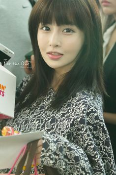 [PHOTOS] 121002 T-ara at Incheon Airport to Malaysia: http://min.us/mCxhLIEEnsfGG