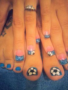 I'll need red instead of blue :) Soccer Nails, Football Nails, Hot Nails, Hair And Nails, Pedicure Nail Art, Birthday Nails, Stylish Nails, Christmas Nails, Beauty Nails