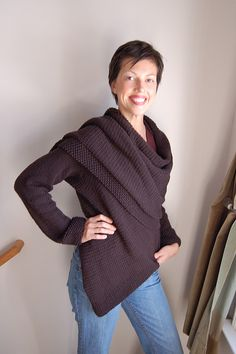 Rayne Wrap Cardigan by Laura Chau. Looks like the wrap cardigan that I love. This is on my to-do list, maybe with that lovely black wool in my stash.