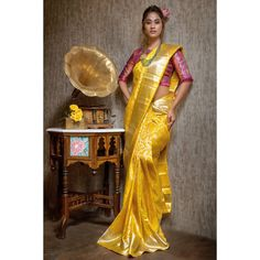 Mind-blowing Kanchipuram Pattu Silk Sarees That You Don't Want to Miss Yellow Saree Silk, Soft Silk Sarees, Kanjivaram Sarees, Kanchipuram Saree, Saris, Saree Color Combinations, Saree Wedding, Bridal Sarees, Pakistani Bridal