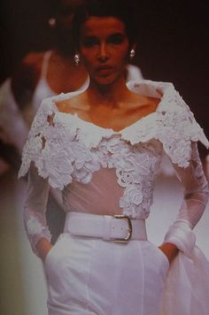 1990 Gianfranco Ferré - This is gorgeous!but a little white dress could be made with this as the top! White Fashion, 90s Fashion, African Fashion, Runway Fashion, Fashion Show, Womens Fashion, Fashion Design, Vintage Outfits, Vintage Fashion