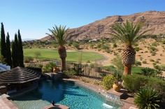cul-de-sac location on 1st hole of golf course with Red Rock mountain views.