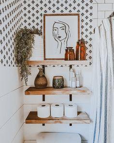 Boho Bathroom, Master Bathroom, Bathroom Inspo, Washroom, Bathroom Shelf Decor, Eclectic Bathroom, White Bathroom, Bathroom Built Ins, Ikea Hack Bathroom