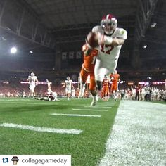 This game though..... #anxiety #WelshWearLovesTheTide  #RollTide #Bama   #Repost @collegegameday .  Flight.