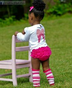 Top knot and Bloomers.... too cute.
