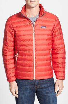 €201, Doudoune rouge Patagonia. De Nordstrom. Cliquez ici pour plus d'informations: https://lookastic.com/men/shop_items/111567/redirect