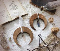 Hécate Quartz Natural . suspension demi-lune en bois quartz